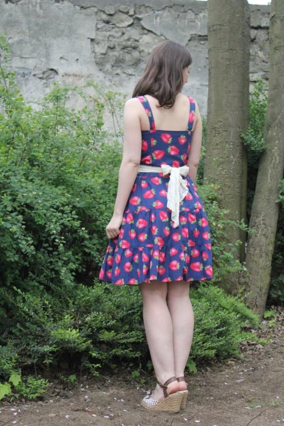 robe_fraises_dos